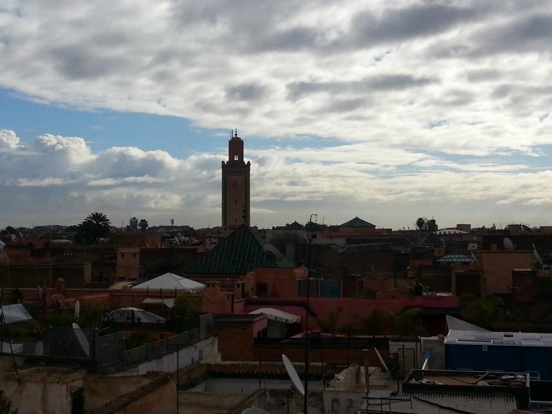 vue des toits de la médina à Marrakech